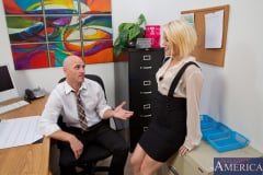 Ash Hollywood and Johnny Sins in Naughty Office (Thumb 01)