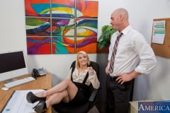 Ash Hollywood and Johnny Sins in Naughty Office (Thumb 02)