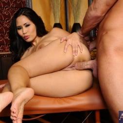 Jessica Bangkok in 'Naughty America' and Bill Bailey in My Naughty Massage (Thumbnail 10)