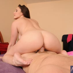 Melanie Hicks in 'Naughty America'  and Levi Cash in Housewife 1 on 1 (Thumbnail 14)