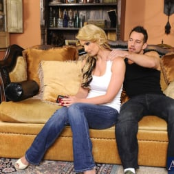 Phoenix Marie in 'Naughty America' and Johnny Castle in My Dad's Hot Girlfriend (Thumbnail 1)