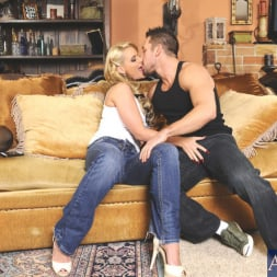 Phoenix Marie in 'Naughty America' and Johnny Castle in My Dad's Hot Girlfriend (Thumbnail 3)