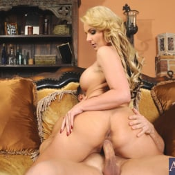 Phoenix Marie in 'Naughty America' and Johnny Castle in My Dad's Hot Girlfriend (Thumbnail 7)