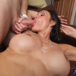 Raven LeChance in 'Naughty America' and Levi Cash in My Friends Hot Mom (Thumbnail 11)