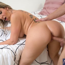 Sara Jay in 'Naughty America' and Danny Wylde in My Friends Hot Mom (Thumbnail 8)