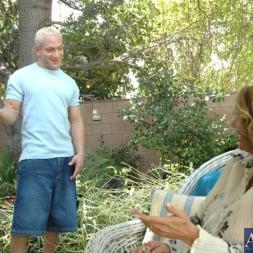 Lisa Lipps in 'Naughty America' and Brett Rockman in My Friends Hot Mom (Thumbnail 4)