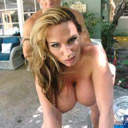 Lisa Lipps in 'Naughty America' and Brett Rockman in My Friends Hot Mom (Thumbnail 7)