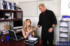 Jessa Rhodes and Barrett Blade in Naughty Office (Thumb 01)