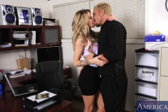 Jessa Rhodes and Barrett Blade in Naughty Office (Thumb 02)