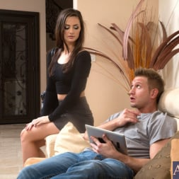 Lily Carter in 'Naughty America' and Bill Bailey in My Dad's Hot Girlfriend (Thumbnail 1)
