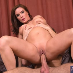 Diamond Foxxx in 'Naughty America' and Logan Pierce in My Friends Hot Mom (Thumbnail 8)