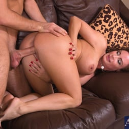 Diamond Foxxx in 'Naughty America' and Logan Pierce in My Friends Hot Mom (Thumbnail 10)