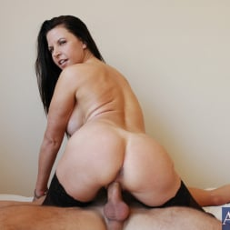 Selena Steele in 'Naughty America' and Kyle Moore in My Friends Hot Mom (Thumbnail 14)