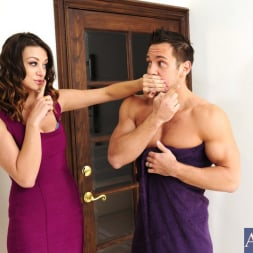 Carmen McCarthy in 'Naughty America' and Johnny Castle in My Wife's Hot Friend (Thumbnail 1)