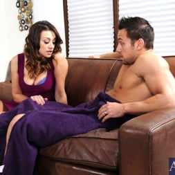 Carmen McCarthy in 'Naughty America' and Johnny Castle in My Wife's Hot Friend (Thumbnail 2)