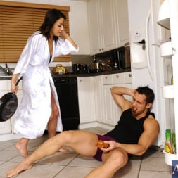 Gigi Loren in 'Naughty America' and Johnny Castle in Latin Adultery (Thumbnail 3)