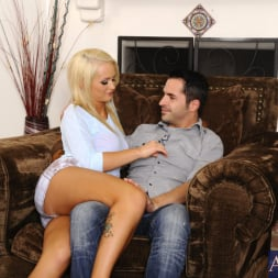 Emily Austin in 'Naughty America' and Kris Slater in My Sisters Hot Friend (Thumbnail 2)