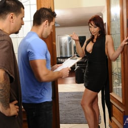 Nicki Hunter in 'Naughty America' and Johnny Castle in Seduced by a cougar (Thumbnail 2)
