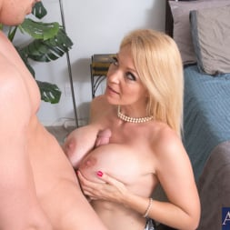 Charlee Chase in 'Naughty America' and Bruce Venture in My Friends Hot Mom (Thumbnail 5)