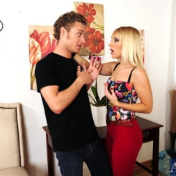 Ashley Fires in 'Naughty America' and Michael Vegas in I Have a Wife (Thumbnail 3)