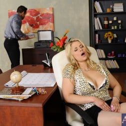 Sarah Vandella in 'Naughty America' and Johnny Castle in Naughty Office (Thumbnail 1)