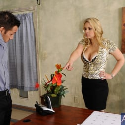 Sarah Vandella in 'Naughty America' and Johnny Castle in Naughty Office (Thumbnail 2)
