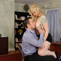Sarah Vandella in 'Naughty America' and Johnny Castle in Naughty Office (Thumbnail 3)