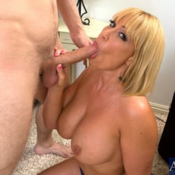 Mellanie Monroe in 'Naughty America' and Danny Wylde in My Friends Hot Mom (Thumbnail 5)