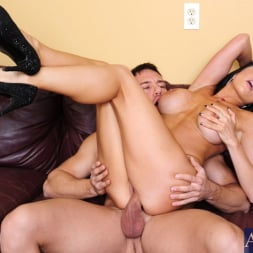Romi Rain in 'Naughty America' and Johnny Castle in My Dad's Hot Girlfriend (Thumbnail 8)
