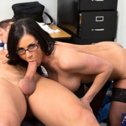 Kendra Lust in 'Naughty America' and Johnny Castle in My First Sex Teacher (Thumbnail 7)