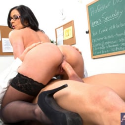 Kendra Lust in 'Naughty America' and Johnny Castle in My First Sex Teacher (Thumbnail 8)