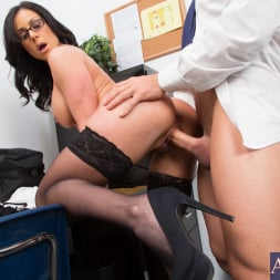 Kendra Lust in 'Naughty America' and Johnny Castle in My First Sex Teacher (Thumbnail 12)