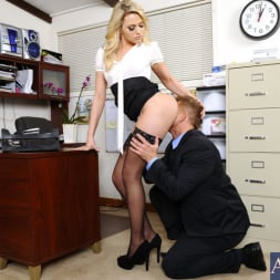 Mia Malkova in 'Naughty America' and Bill Bailey in Naughty Office (Thumbnail 4)