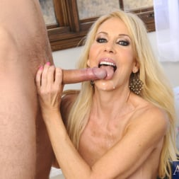 Erica Lauren in 'Naughty America' and Danny Wylde in Seduced by a cougar (Thumbnail 11)