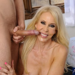 Erica Lauren in 'Naughty America' and Danny Wylde in Seduced by a cougar (Thumbnail 15)