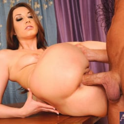 Jasmine Delatori in 'Naughty America' and Bill Bailey in I Have a Wife (Thumbnail 10)