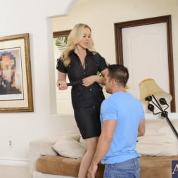 Julia Ann in 'Naughty America' and Johnny Castle in My Friends Hot Mom (Thumbnail 4)