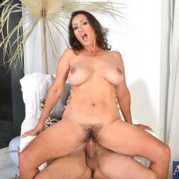 Persia Monir in 'Naughty America' and Bruno Dickemz in My Friends Hot Mom (Thumbnail 6)