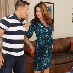 Raquel DeVine in 'Naughty America' and Johnny Castle in Seduced by a cougar (Thumbnail 3)