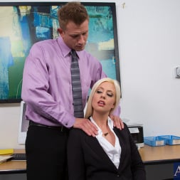 Jessie Volt in 'Naughty America' and Bill Bailey in Naughty Office (Thumbnail 2)