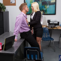 Jessie Volt in 'Naughty America' and Bill Bailey in Naughty Office (Thumbnail 3)