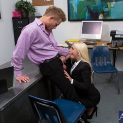 Jessie Volt in 'Naughty America' and Bill Bailey in Naughty Office (Thumbnail 4)