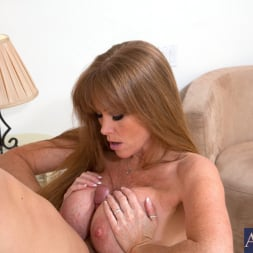 Darla Crane in 'Naughty America' and Giovanni Francesco in My Friends Hot Mom (Thumbnail 5)