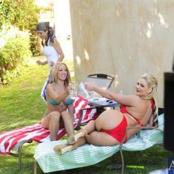Capri Cavanni in 'Naughty America' 2 Chicks Same Time (Thumbnail 15)
