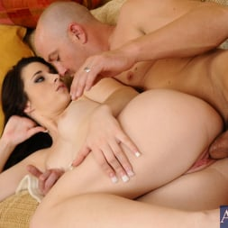 Lacy Channing in 'Naughty America' and Will Powers in I Have a Wife (Thumbnail 7)