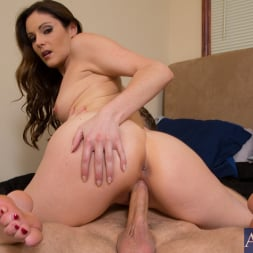 Samantha Ryan in 'Naughty America' and Danny Wylde in My Wife's Hot Friend (Thumbnail 8)