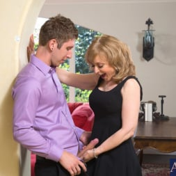 Nina Hartley in 'Naughty America' and Danny Wylde in Seduced by a cougar (Thumbnail 3)