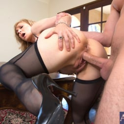Nina Hartley in 'Naughty America' and Danny Wylde in Seduced by a cougar (Thumbnail 8)