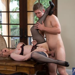 Nina Hartley in 'Naughty America' and Danny Wylde in Seduced by a cougar (Thumbnail 13)