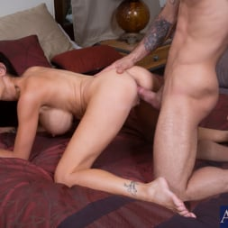 McKenzie Lee in 'Naughty America' and Alan Stafford in My Friends Hot Mom (Thumbnail 15)